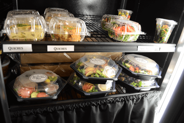 market salad case